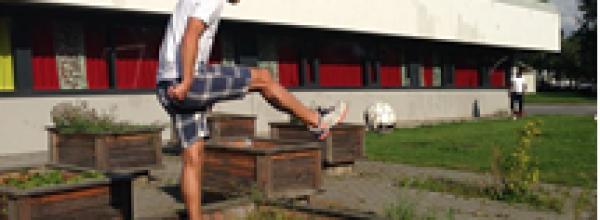 Vikingspillere prøver seg på fotballgolf